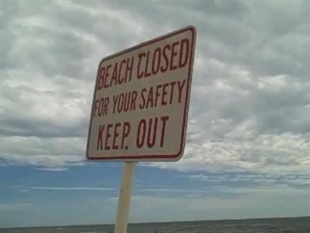 WCAU_Raw_Video_Beach_Closed_082808_52_mezzn_448x336.jpg