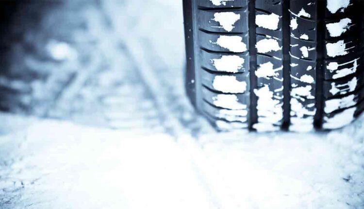 tire-in-snow10112021.jpg